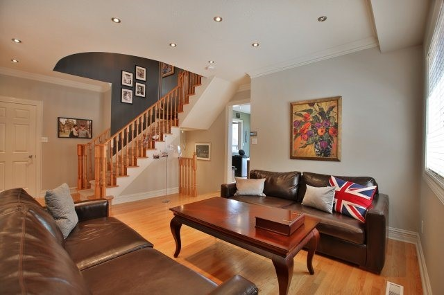 Detached at 1372 Liverpool St, Oakville, Ontario. Image 17