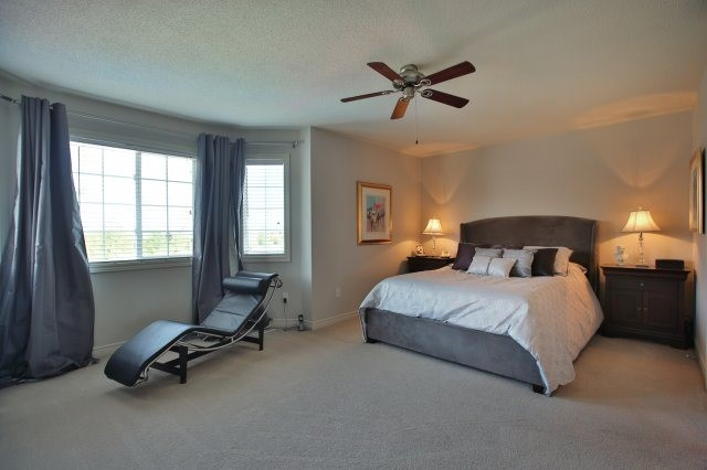 Detached at 1372 Liverpool St, Oakville, Ontario. Image 6