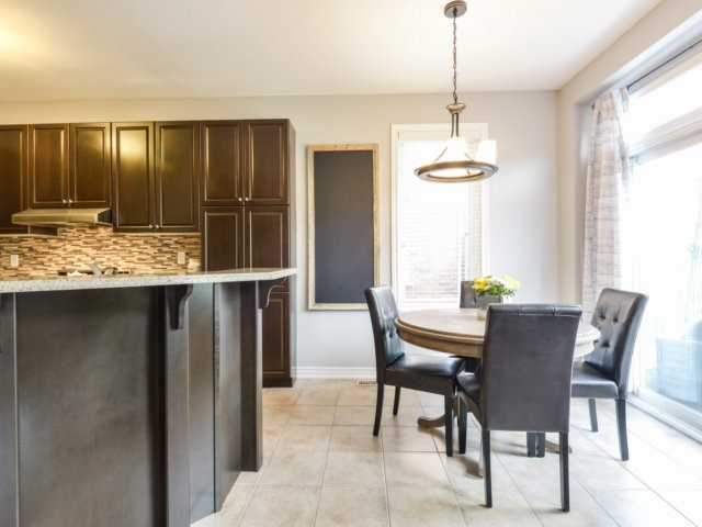 Townhouse at 3471 Whilabout Terr, Oakville, Ontario. Image 18