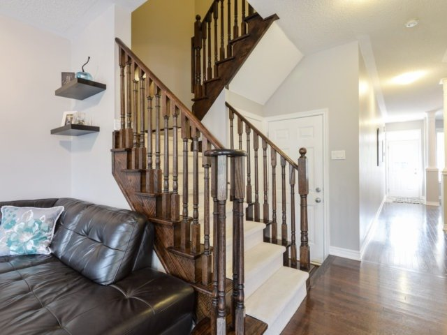 Townhouse at 3471 Whilabout Terr, Oakville, Ontario. Image 3