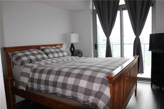 Condo Apartment at 103 The Queensway, Unit 2604, Toronto, Ontario. Image 8
