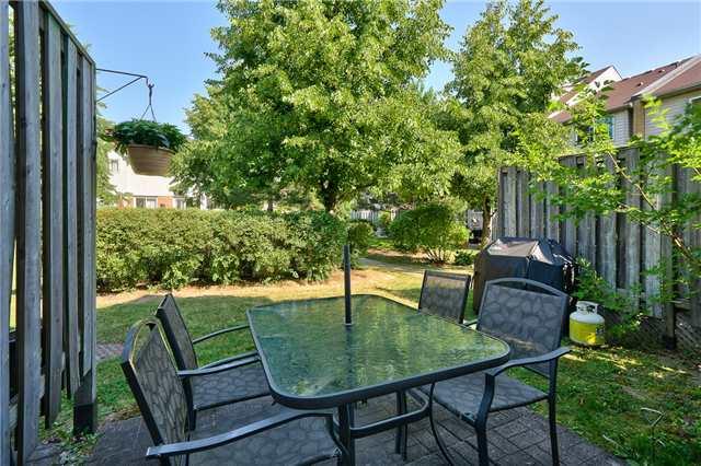 Condo Townhouse at 2960 Headon Forest Dr, Unit 17, Burlington, Ontario. Image 13