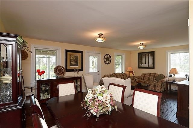 Detached at 12540 Chinguacousy Rd, Caledon, Ontario. Image 2