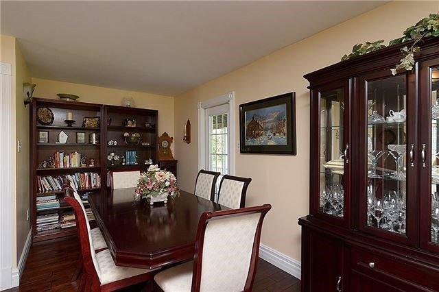 Detached at 12540 Chinguacousy Rd, Caledon, Ontario. Image 3