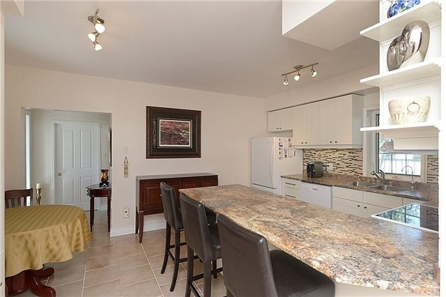 Detached at 12540 Chinguacousy Rd, Caledon, Ontario. Image 7