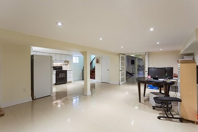 Detached at 53 Yorkdale Cres, Toronto, Ontario. Image 10