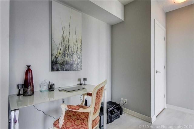 Condo Apartment at 2200 Lakeshore Blvd, Unit 3207, Toronto, Ontario. Image 14