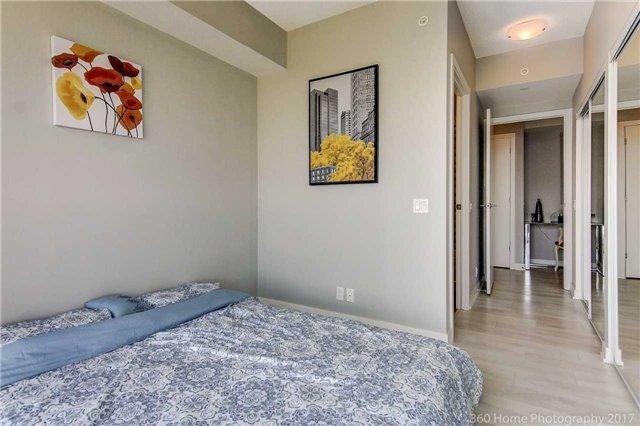 Condo Apartment at 2200 Lakeshore Blvd, Unit 3207, Toronto, Ontario. Image 18
