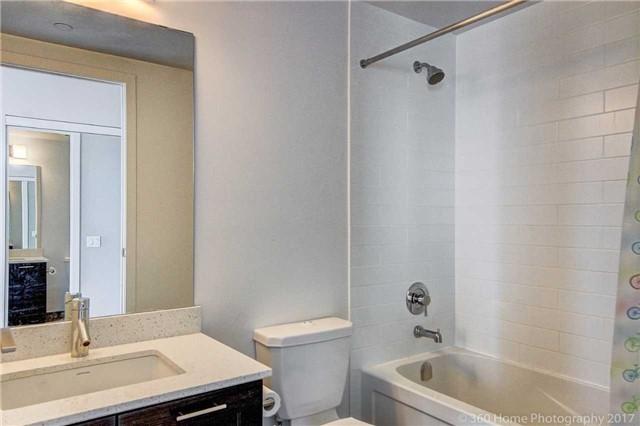 Condo Apartment at 2200 Lakeshore Blvd, Unit 3207, Toronto, Ontario. Image 19