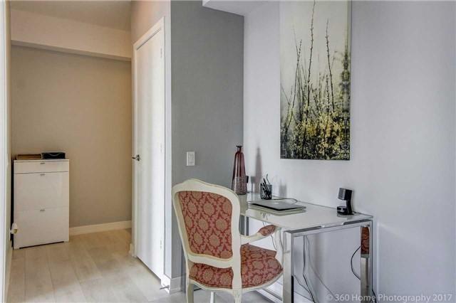 Condo Apartment at 2200 Lakeshore Blvd, Unit 3207, Toronto, Ontario. Image 20