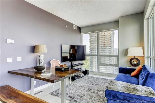 Condo Apartment at 2200 Lakeshore Blvd, Unit 3207, Toronto, Ontario. Image 9