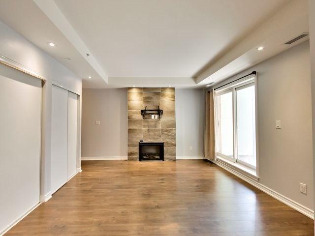 Condo Apartment at 73 Washington Ave, Unit 206, Oakville, Ontario. Image 4