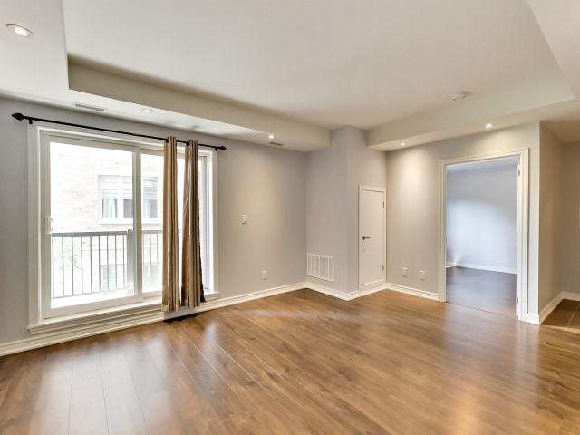 Condo Apartment at 73 Washington Ave, Unit 206, Oakville, Ontario. Image 6