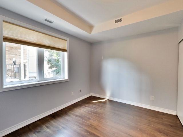 Condo Apartment at 73 Washington Ave, Unit 206, Oakville, Ontario. Image 9