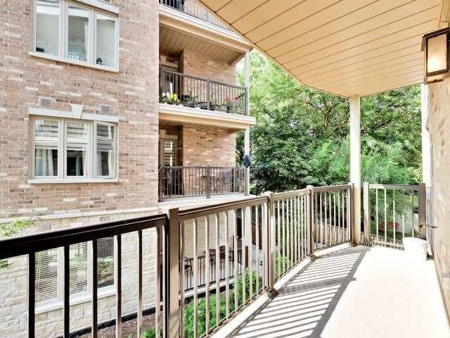 Condo Apartment at 73 Washington Ave, Unit 206, Oakville, Ontario. Image 11