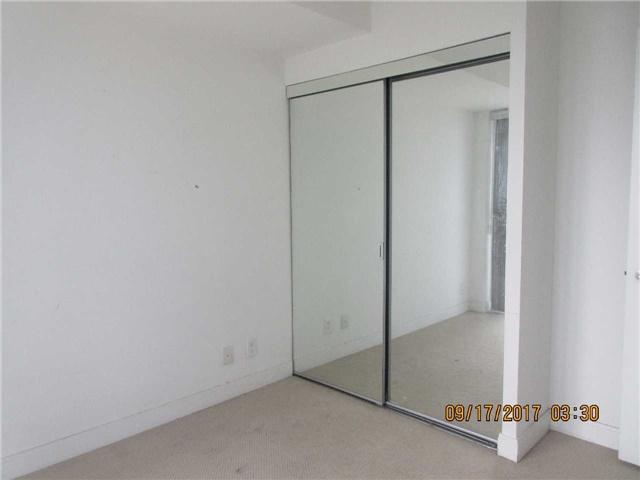 Condo Apartment at 50 Absolute Ave, Unit 4404, Mississauga, Ontario. Image 2