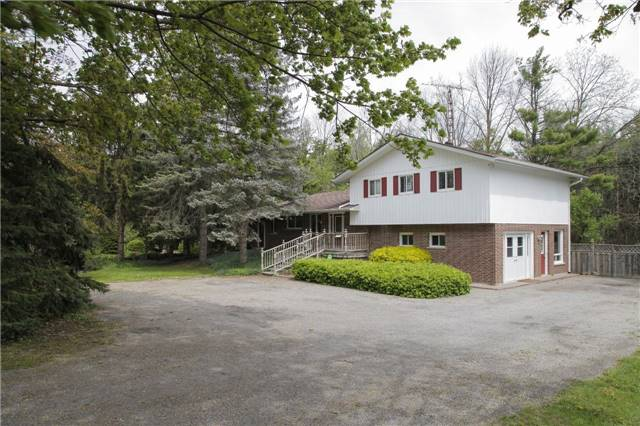Detached at 8541 Guelph Line, Milton, Ontario. Image 1