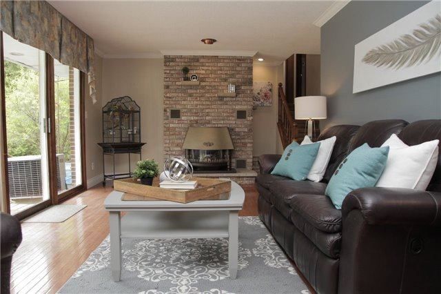 Detached at 8541 Guelph Line, Milton, Ontario. Image 2