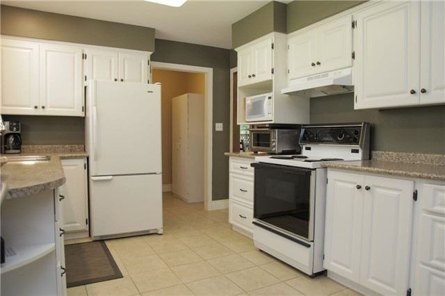 Detached at 8541 Guelph Line, Milton, Ontario. Image 6