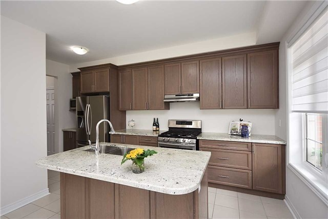 Townhouse at 393 Switchgrass St N, Oakville, Ontario. Image 19