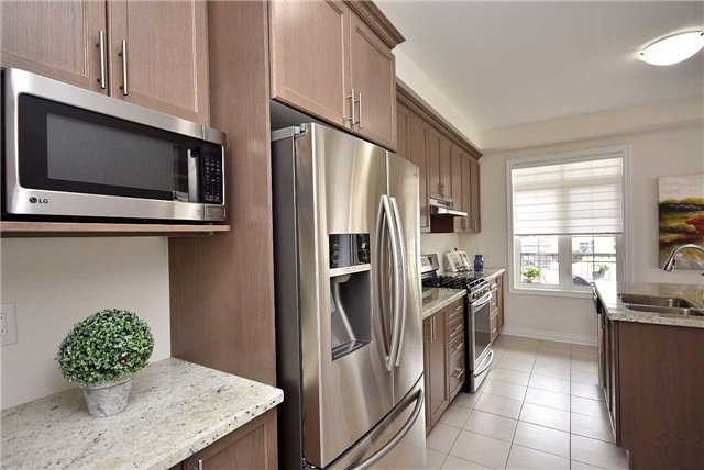 Townhouse at 393 Switchgrass St N, Oakville, Ontario. Image 20