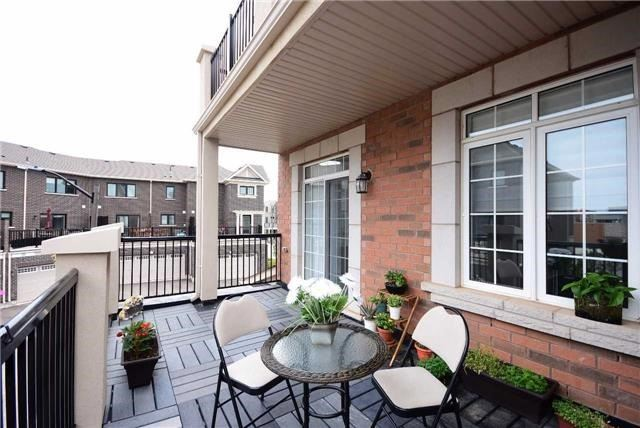 Townhouse at 393 Switchgrass St N, Oakville, Ontario. Image 2