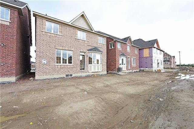 Detached at 97 Twistleton St, Caledon, Ontario. Image 12