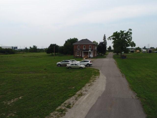 Detached at 11450 Steeles Ave, Halton Hills, Ontario. Image 13