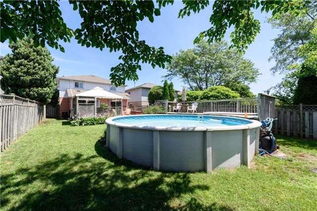 Detached at 546 Deerhurst Dr, Burlington, Ontario. Image 13
