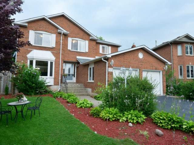 Detached at 2171 Castlefield Cres, Oakville, Ontario. Image 1