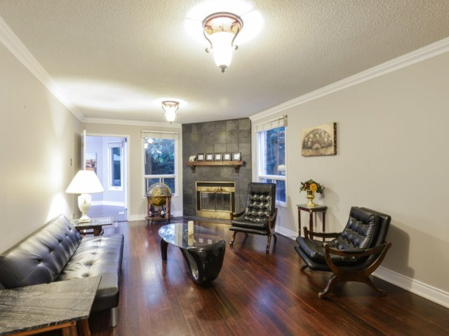 Detached at 2171 Castlefield Cres, Oakville, Ontario. Image 16