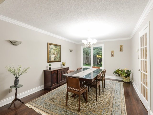 Detached at 2171 Castlefield Cres, Oakville, Ontario. Image 18