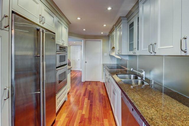 Condo Apartment at 2045 Lake Shore Blvd W, Unit 1601, Toronto, Ontario. Image 5