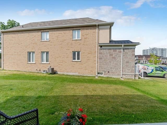 Townhouse at 4 Ridgegate Cres, Halton Hills, Ontario. Image 11