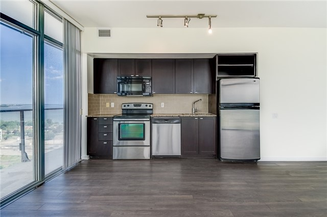 Condo With Common Elements at 103 The Queensway Ave, Unit 1614, Toronto, Ontario. Image 11