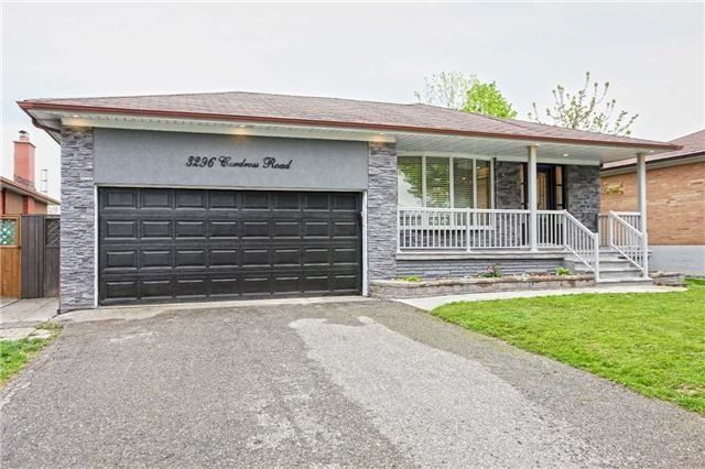 Detached at 3296 Cardross Rd, Mississauga, Ontario. Image 1