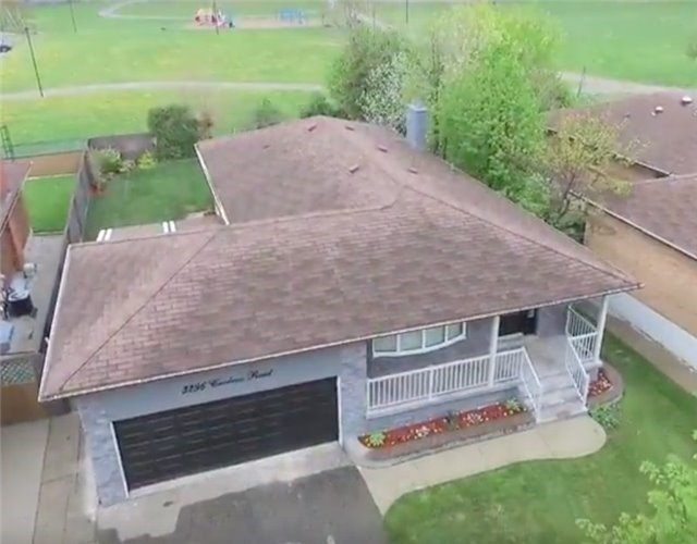 Detached at 3296 Cardross Rd, Mississauga, Ontario. Image 12