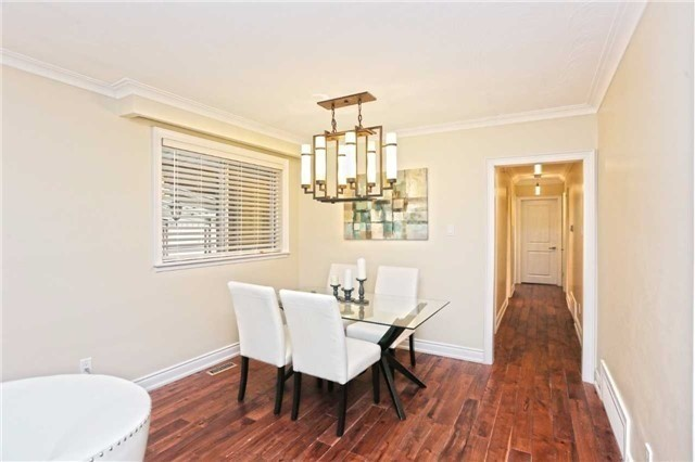 Detached at 3296 Cardross Rd, Mississauga, Ontario. Image 16