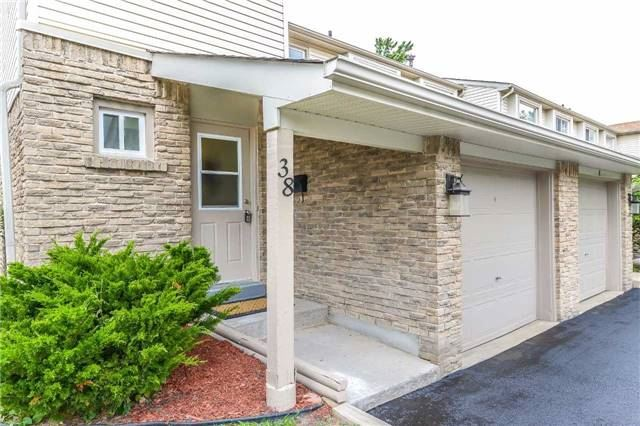 Condo Townhouse at 2700 Battleford Rd, Unit 38, Mississauga, Ontario. Image 12