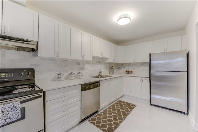 Condo Townhouse at 2700 Battleford Rd, Unit 38, Mississauga, Ontario. Image 20