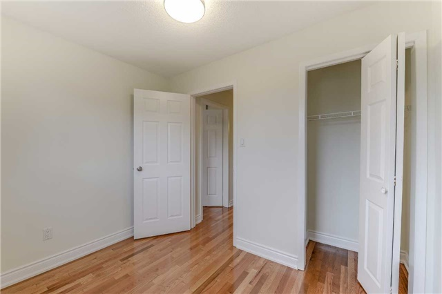 Condo Townhouse at 2700 Battleford Rd, Unit 38, Mississauga, Ontario. Image 4