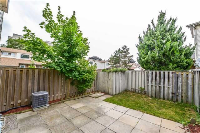 Condo Townhouse at 2700 Battleford Rd, Unit 38, Mississauga, Ontario. Image 11