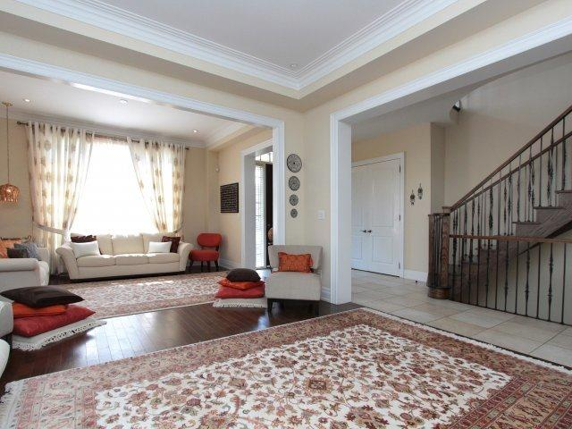 Detached at 1849 Ivygate Crt, Mississauga, Ontario. Image 14