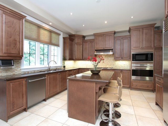 Detached at 1849 Ivygate Crt, Mississauga, Ontario. Image 20