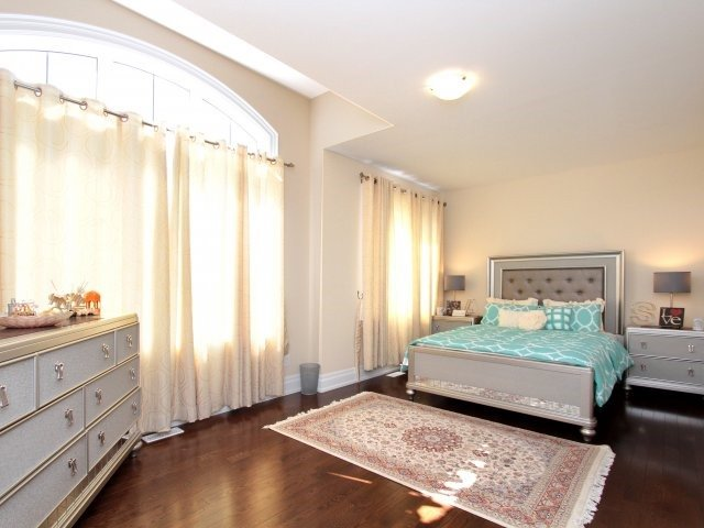 Detached at 1849 Ivygate Crt, Mississauga, Ontario. Image 6