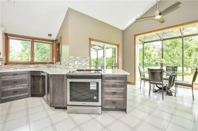 Detached at 241 Mclaren Rd, Milton, Ontario. Image 17