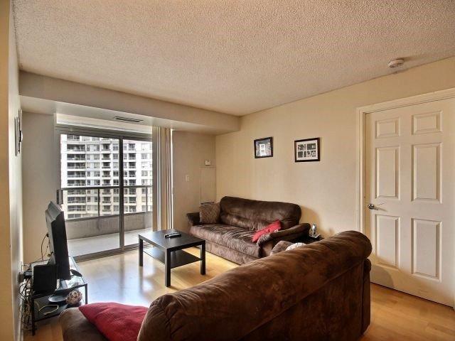 Condo Apartment at 3880 Duke Of York Blvd, Unit 2518, Mississauga, Ontario. Image 3
