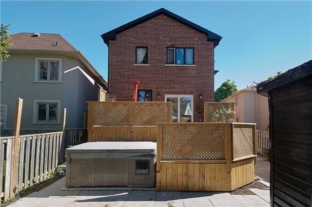 Detached at 23 The Wishbone Rd, Toronto, Ontario. Image 13