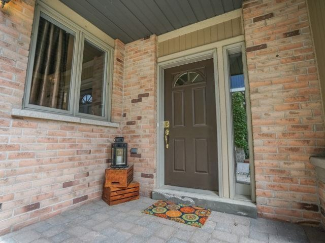 Semi-detached at 1811 Stevington Cres, Mississauga, Ontario. Image 13
