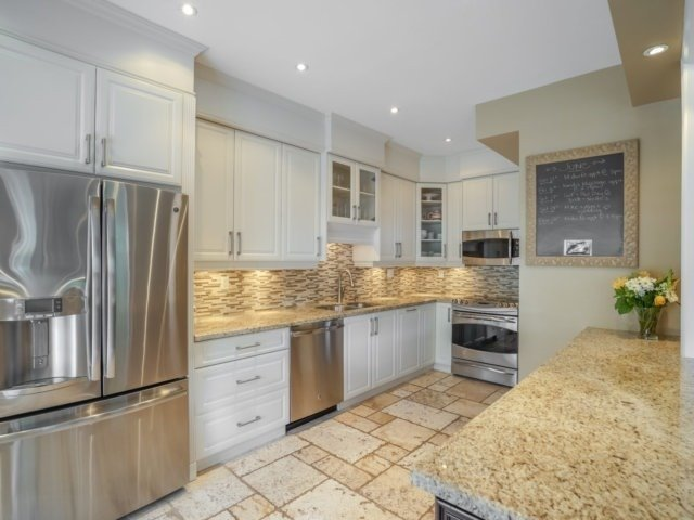 Semi-detached at 1811 Stevington Cres, Mississauga, Ontario. Image 14